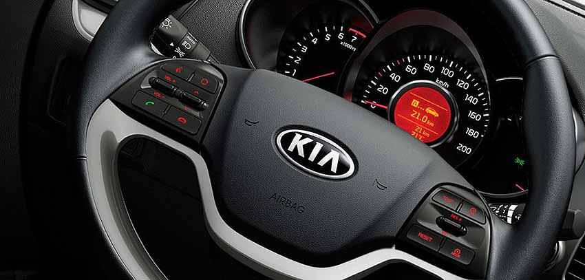 Новый KIA Picanto 2016 - приборная панель, руль